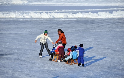Ice skating on the swimming lake - Salvenaland